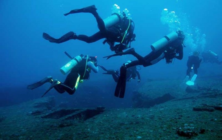 Go Deep At Panama City Beach And Book A Scuba Diving Charter